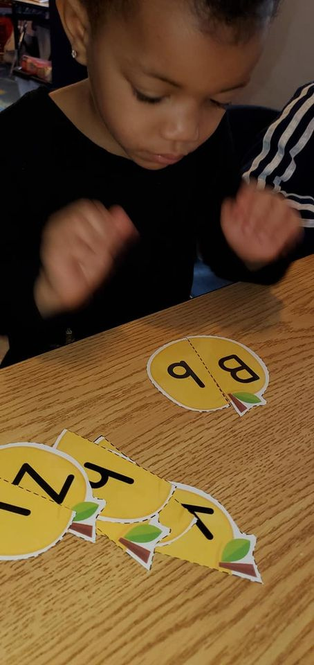Uppercase and Lowercase Letter Matching With Paper Apples