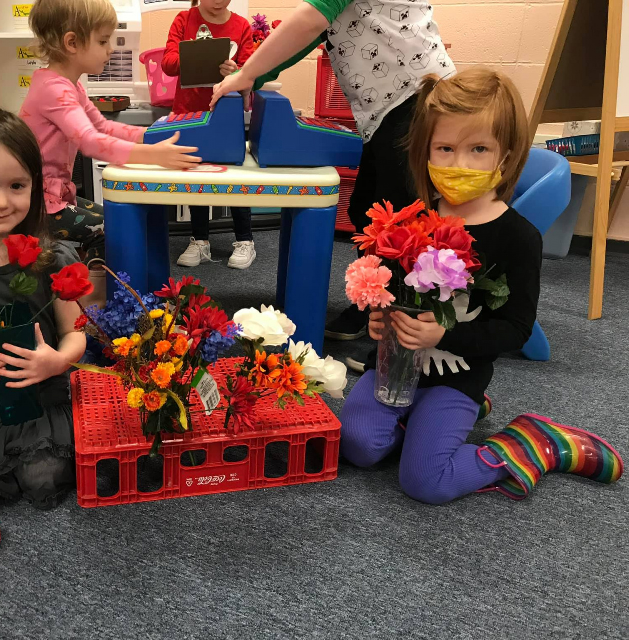 Making Bouquets of Flowers For Color-Sorting Fun!