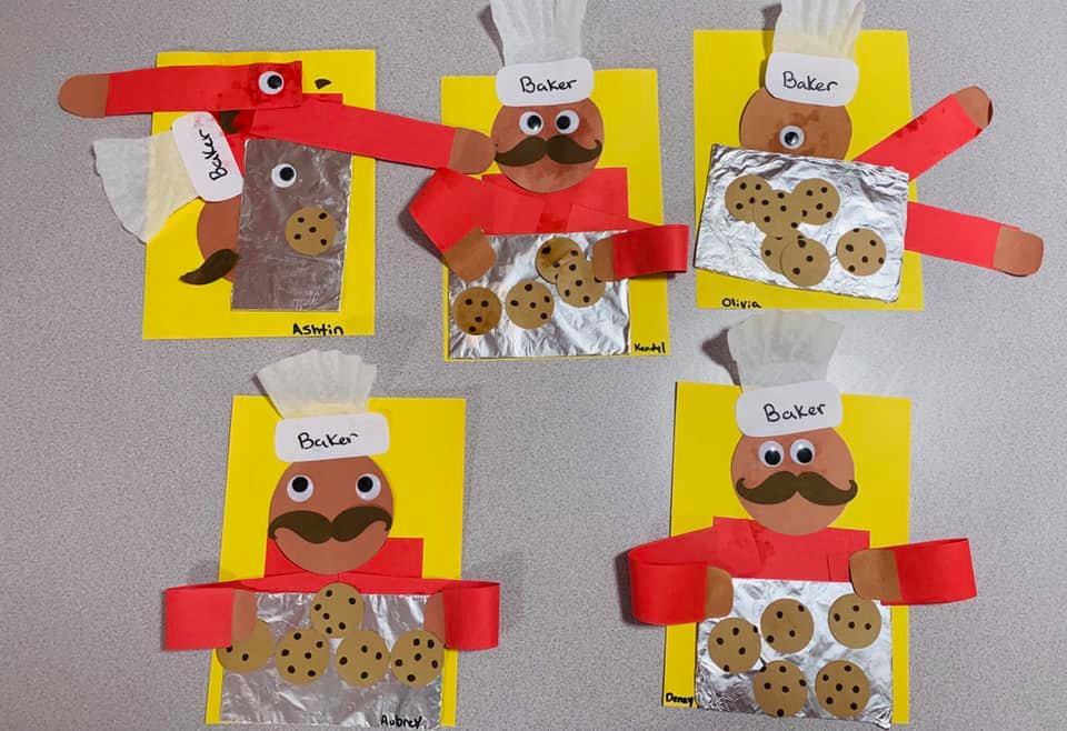 Community Helpers: Baker Crafts