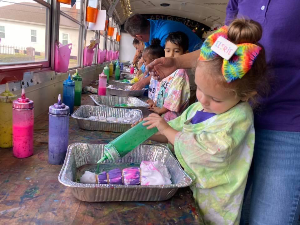 Easy Tie Dye With Preschoolers