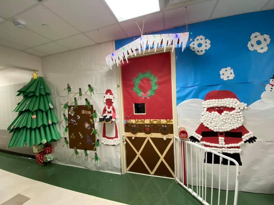 Christmas Door Decorating Contest for Preschool