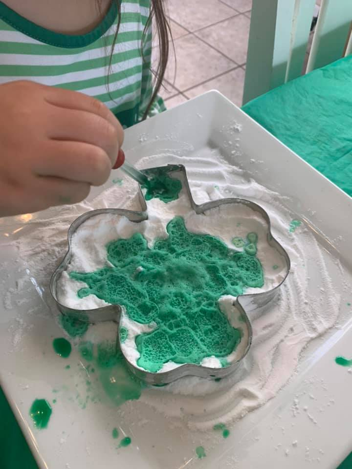 Baking Soda Four Leaf Clover Science Activity For Preschoolers