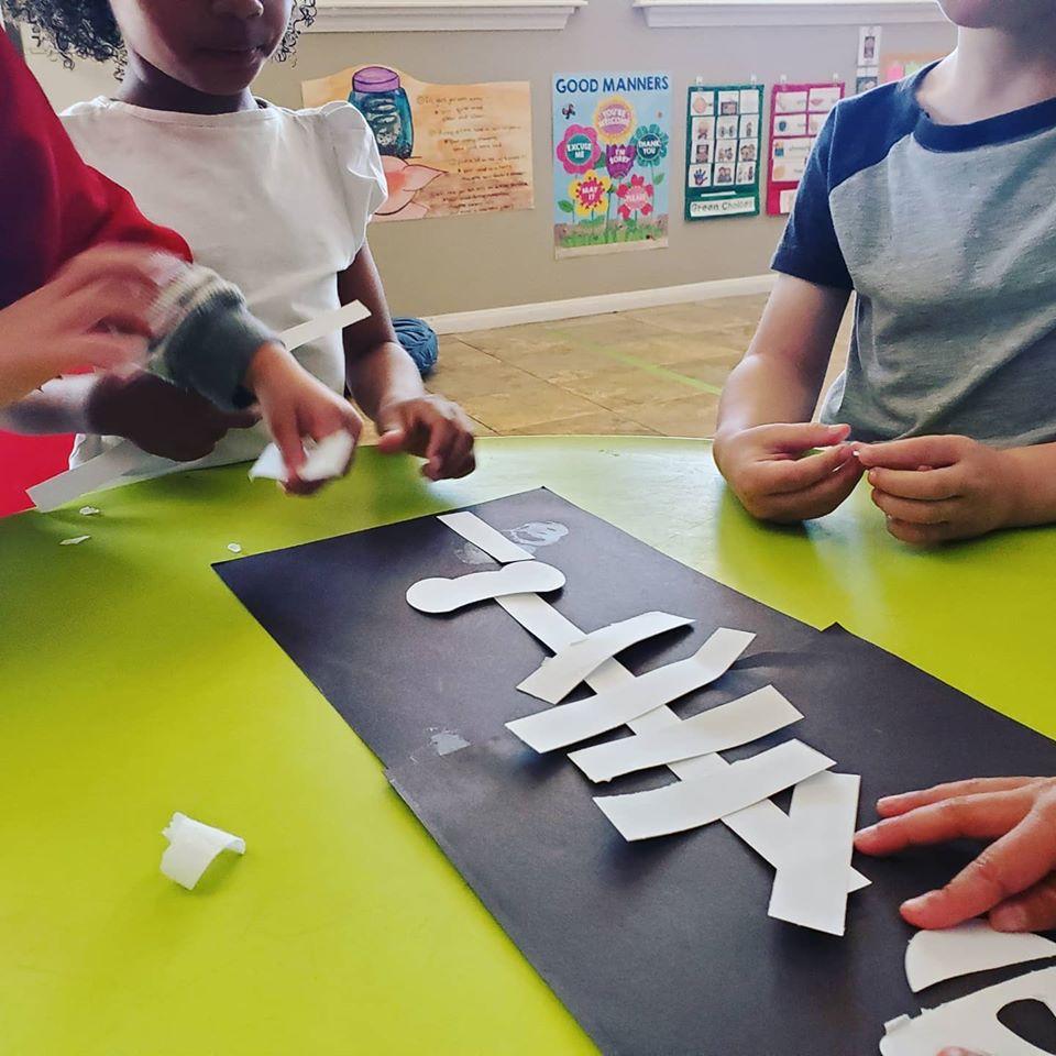 Skeleton Creation Teamwork-Focused Activity for Preschool Students