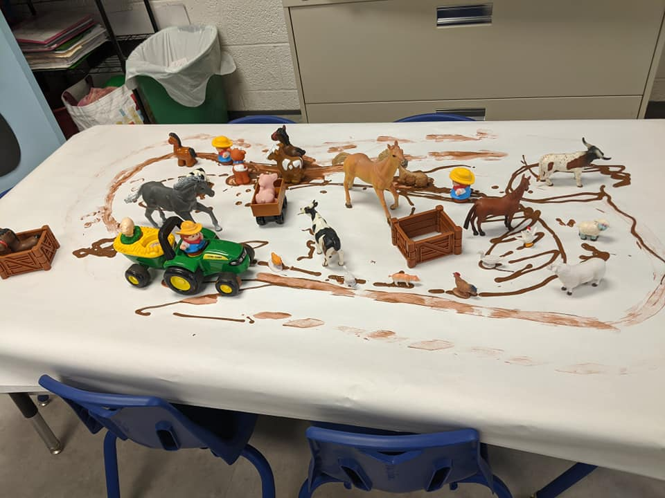 """Mud Farm,"" Sensory Play Activity for Preschoolers"