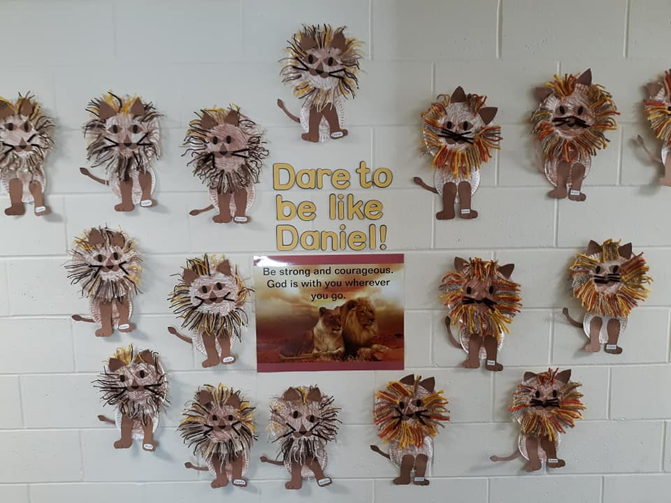 Preschool-Level Lion and Lamb Crafts Themed for March
